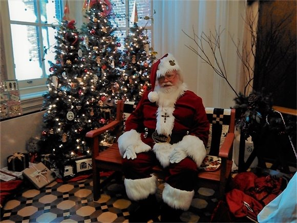 Santa at the Christmas at the Courthouse